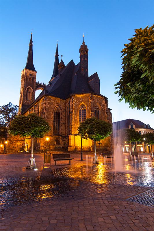 Kirche St. Jakob bei Nacht
