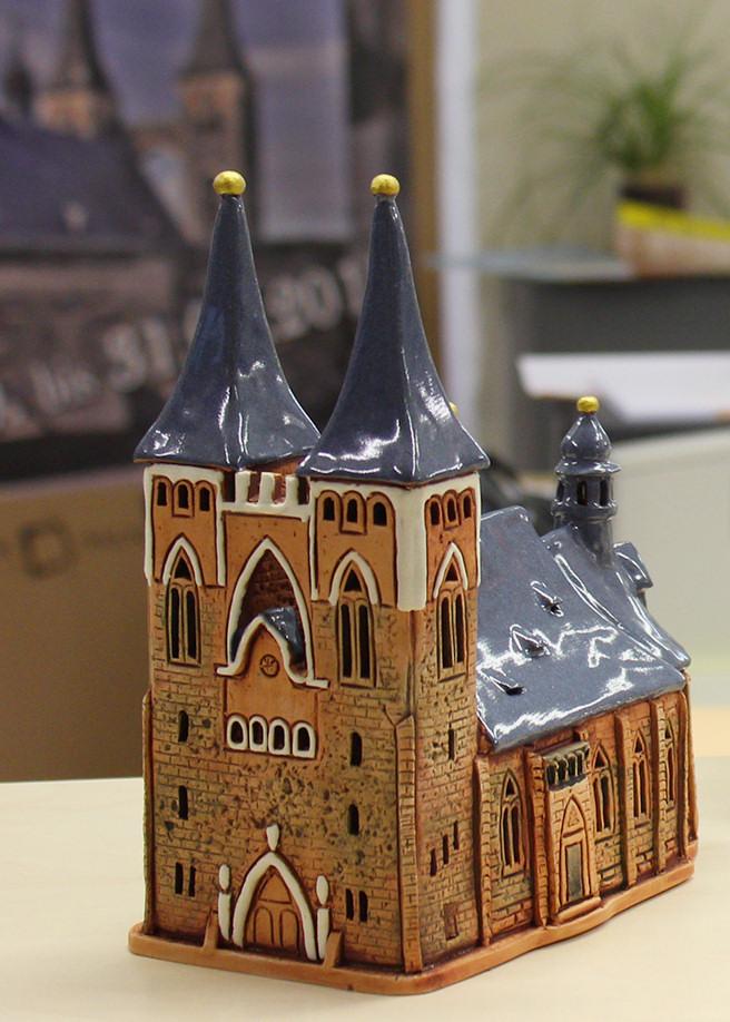 Jakobskirche aus Keramik